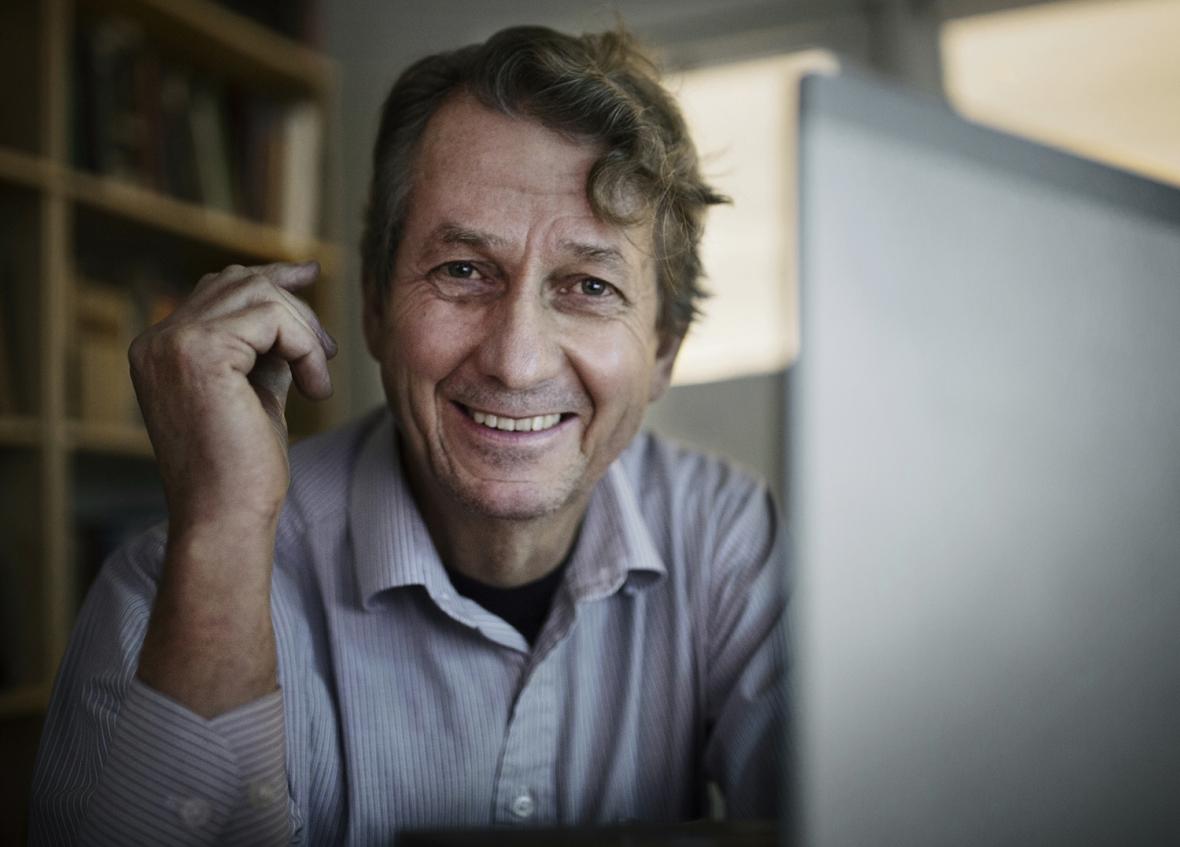 Peter Carlsson håller koll på världens karies