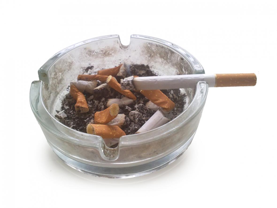 Rökning trefaldigar risk för tandlossning