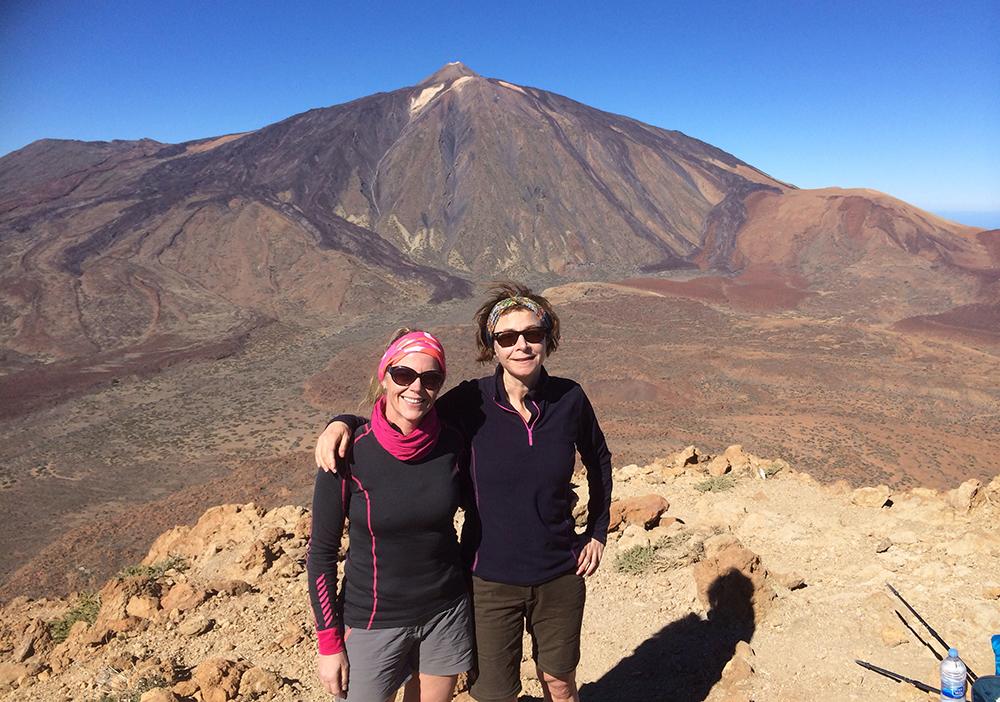 När mammas tand var lagad kunde Helena och jag ägna oss åt vår semester igen. Vi passade på att göra en tuff dagsvandring i Parque National del Teide med en topptur upp på Montaña Guajara, 2718 meter över havet.