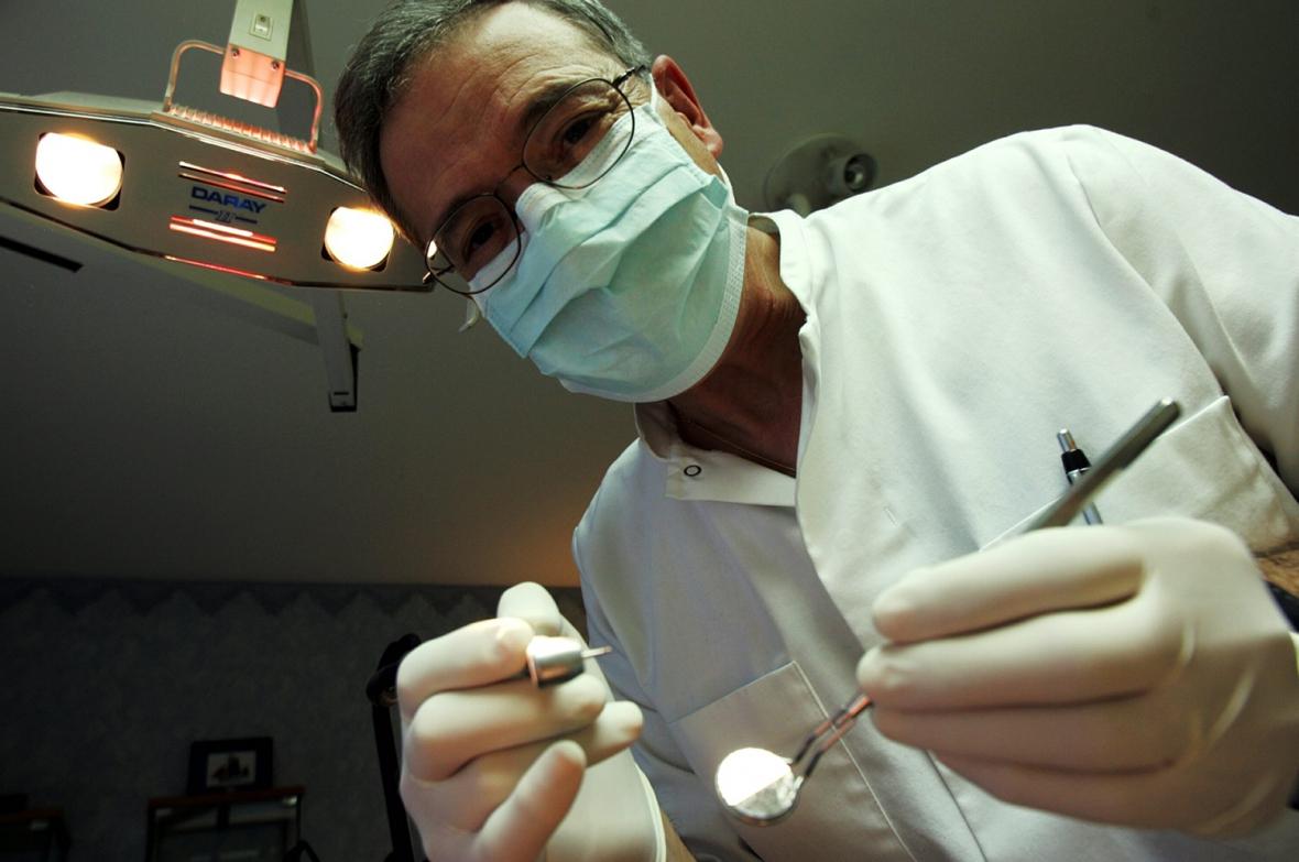 Socialstyrelsen vill att fler tandläkare utbildas