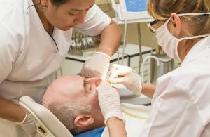 Tandläkare dissar förslag om bidragshöjning