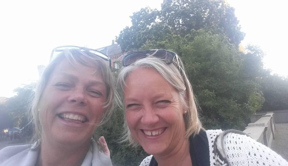 Två kulturella damer på G i Lund.