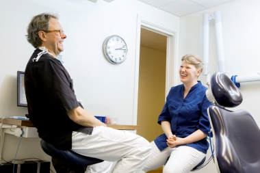 Tandläkarstudenter söker mentorer