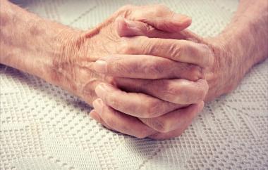 Munvårdsombud vid varje äldreboende föreslås