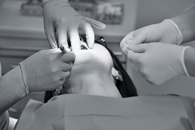 Implantatbehandling får kritik