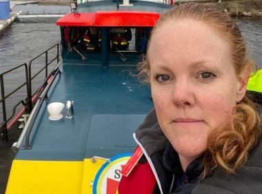 Tandläkare i Gävle hjälper folk i sjönöd