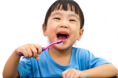 Fluoridlack med kalciumfosfat stoppar fler kariesangrepp