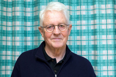 Legend inom parodontologi blir hedersmedlem