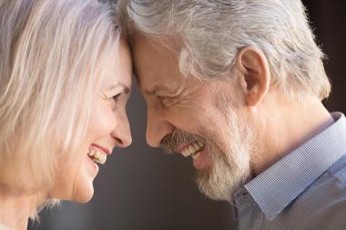 Mellanrumsborste förbättrar tandhälsan mer än eltandborste