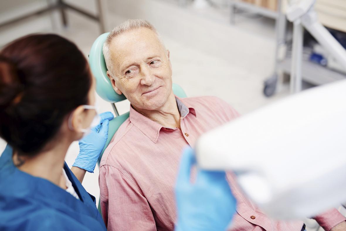 Ålder inget hinder för implantat