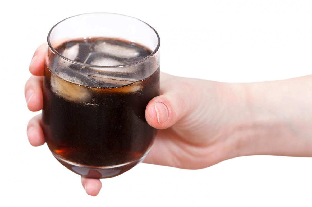 Debatt: Klokt att slopa läsk på äldreboende