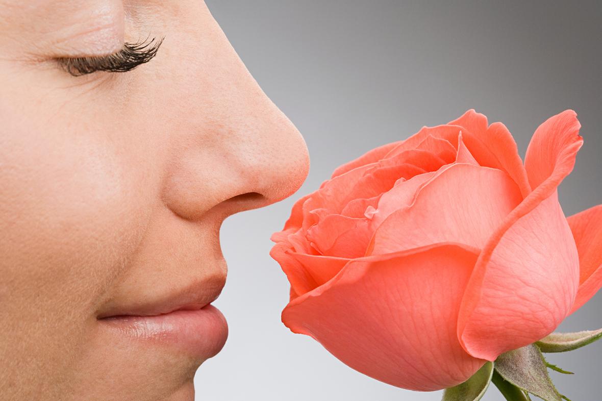 Förlorat luktsinne behöver tidig träning